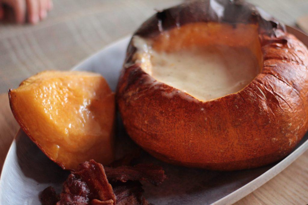 http://archieandtherug.com/food/pumpkin-cheese-fondue/ pumpkin recipe fondue vegetarian