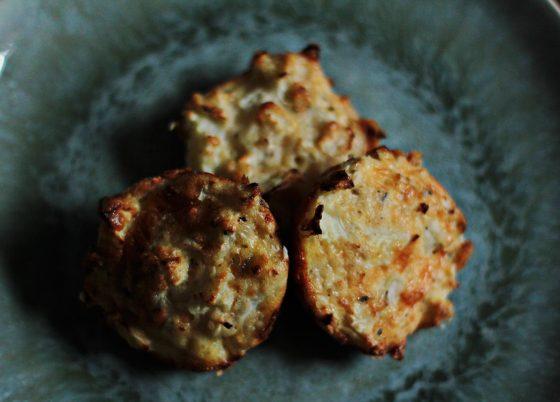 cauflifower cheese bites recipe baby led weaning vegetarian snacks