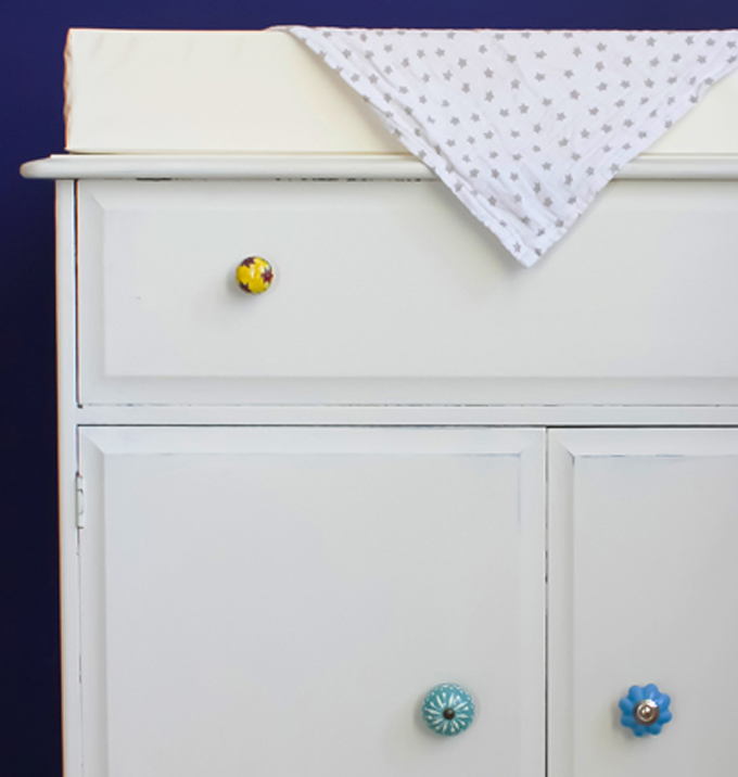 how to make your own baby chaging cupboard diy upcycle ikea hack http://www.archieandtherug.com/2018/04/make-your-own-baby-chaging-unit.html