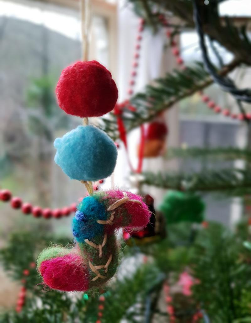 felt christmas ornament craft tutorial